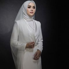 Muslimah Wedding Dress, Hijab Style Dress, Muslim Wedding Dresses, Muslim Brides, Muslim Women, Muslim Dress, Muslim Couples, Bridal Hijab, Hijab Bride