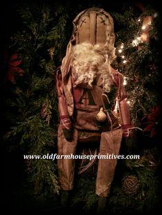 Primitive Sitting Santa (Made In USA)