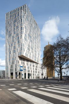 Blaak 8 office Tower in Rotterdam by Group A