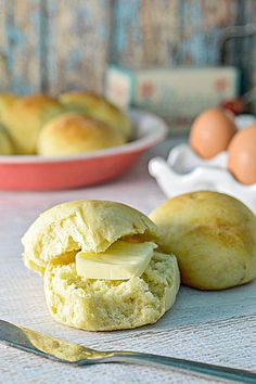 Delicious Hawaiian Sweet Bread Recipe! These rolls tastes absolutely amazing.