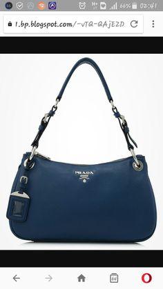 1249d20bc528 Hermes Kelly 32cm Black Epsom Sellier Gold Hardware Shoulder Bag For Sale  at 1stdibs