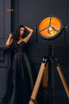 #dark #lamp #lighting #model #photosession Dressing Room Design, Diy Lamps, Garage Art, Custom Lighting, Something Beautiful, Lamp Design, Photo Sessions, Decorative Accessories, Furniture