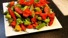Make dried HOT CHILI powder using homegrown organic chilies - raw food