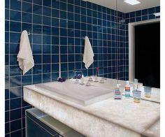 Como pintar azulejos de banheiro. Os azulejos do banheiro são uma escolha muito importante, pois eles definem esta divisão, bem como toda a decoração possível para ela.É importante não só ter em conta a estética, olhando a cor, forma ...