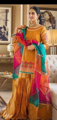 Mehndi Function, Insta Photo Ideas, Pakistani Actress, Pakistani Outfits, Stylish Girl, Indian Fashion, Saree, Actresses, Bride