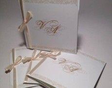 Esküvői meghívó, egy a Wladek Creative  által szervezett esküvőről királylányos stílusban.