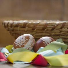 Happy Easter from Sartor Bohemia 🥚🐇🐤🐣 Celý tým Sartor Bohemia přeje příjemné prožití Velikonočních svátků 🥚🐇🐤🐣 #easter #springtime #stayhome #celebratewithyourfamily #decoration #ribbon #silkribbon #sartorbohemia #sartor #velikonoce #jarojetady #zustandoma #oslavto #srodinou #mameprovas #velikonocnidekorace #hedvabnestuhy #stuhy Breakfast, Instagram, Food, Bohemia, Morning Coffee, Meal, Essen, Hoods, Meals