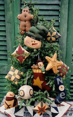 The Country Cupboard Primitive Folk Art Christmas Tree Ornaments