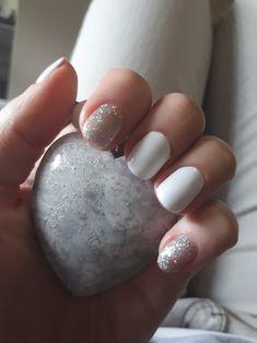 White nails #silver #glitter