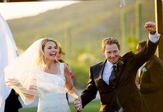 Savannah Guthrie gets married in a lace empire-waist Monique Lhuillier!