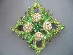 Vintage D E Juliana Sparkling Peridot Green Aurora Rhinestone Layered Brooch | eBay