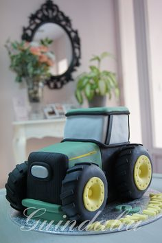 Tarta Tractor Tractor Birthday Cakes, Tractor Cakes, Boy Cakes, Cakes For Boys, Confirmation Cakes, John Deere Tractors, Decorated Cakes, Archie, Cake Decorating