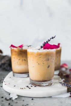These Rose Lavender Honey Iced Lattes are sweetened with a honey simple syrup made with dried lavender and rosebuds! The simple syrup is free of refined sugar and gives the most beautiful floral sweetness to these lattes. **try oat milk instead of diary** Yummy Drinks, Healthy Drinks, Yummy Food, Refreshing Drinks, Healthy Eats, Nutrition Drinks, Detox Drinks, Delicious Recipes, Vegan Recipes