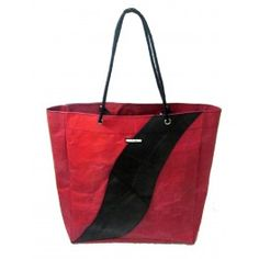 Shopper bag made out of hand recycled plastic bags and inner tubes. Bag Making, Making Out, Shopper Bag, Tote Bag, Recycled Plastic Bags, Sack Bag, Sacks, Recycling, Carry Bag