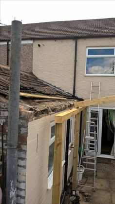 So the timber extension started well with the whole fascia board and roof battens replaced