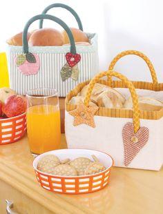 Bom dia com esta cesta de pão! Handmade Crafts, Diy And Crafts, Ice Cream Containers, Basket Organization, Cute Box, Ideias Diy, Fabric Bags, Fabric Basket, Trash To Treasure