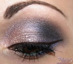 UD Deluxe Shadow Box Tutorial. Not in English but easy to follow.