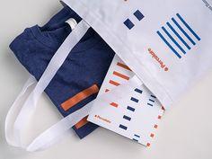 Summit Tote Marketing Software, Content Marketing, Conference Branding, Global Brands, Swag, Reusable Tote Bags, Design Design, Graphic Design, Inbound Marketing