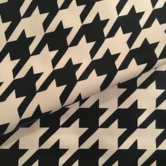 LATEX PRINTS The Anti Queen Houndstooth.C.Regina I   +WHITE+ By Perverse Printing
