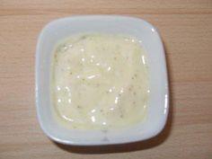 Das perfekte Salatdressing Sylter Art-Rezept mit Bild und einfacher Schritt-für-Schritt-Anleitung: Die Zwiebel so klein schneiden wie möglich, den…