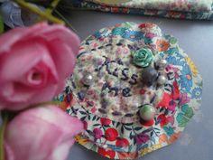*Kiss me*  Stoff Brosche im Shabby Chic Stil  von Happy Lilly auf DaWanda.com