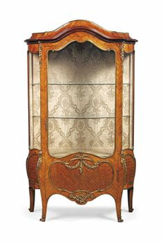 Merveilleux A FRENCH ORMOLU MOUNTED KINGWOOD AND SATINE MARQUETRY BOMBE VITRINE   LATE  19TH/EARLY 20TH CENTURY | Diseño Antiguo | Pinterest | Antique Furniture,  Antique ...