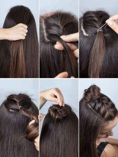 Half Buns sind angesagter denn je – und geflochten sieht die Frisur umso cooler … Half Buns are more fashionable than ever – and the braided hairstyle looks so much cooler: Divide the top coat hair and begin to weave… Weiterlesen → Pretty Hairstyles, Easy Hairstyles, Hairstyle Ideas, French Hairstyles, School Hairstyles, Stylish Hairstyles, Trending Hairstyles, Popular Hairstyles, Braided Bun Hairstyles