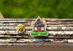 Wal-mart We Are Family Since 1962 Metal & Enamel Employee Lapel Pin Pinback