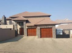 Explore this property 5 Bedroom House in Homes Haven Private Property, Property For Sale, 5 Bedroom House, Garage Doors, Homes, Explore, Outdoor Decor, Home Decor, Houses