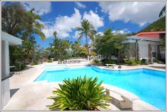 Travel to ST. Maarten, Caribbean through these luxury rentals this New Years Eve