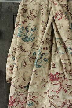 Wonderful soft large panel of antique French printed cotton fabric ~ lovely textile for hanging , window treatments etc ~ c1880 Belle Epoque textile ~ www.textiletrunk.com