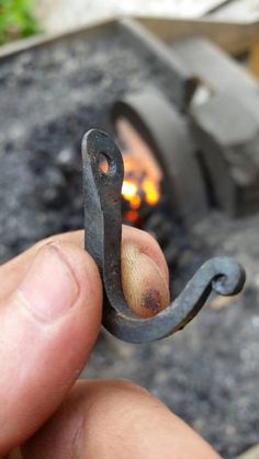 Hand Forged Miniature Wall Hook by TBsmithy on Etsy Forging Knives, Forging Tools, Forging Metal, Viking Drinking Horn, Power Hammer, Welding Shop, Horseshoe Projects, Blacksmith Forge, Metal Art Projects