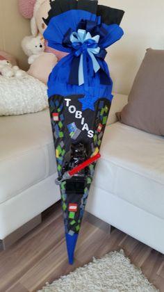 Schultüten - SCHULTÜTE Junge ;-) mit echter Taschenlampe - ein Designerstück von Schultueten-Fee bei DaWanda