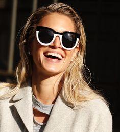 6e3e8e3214c4d New York Fashion Week - Óculos Helena Bordon