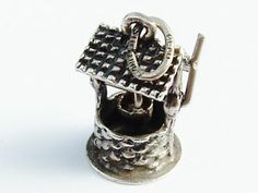 Adorable .925 Sterling Silver Wishing Well Charm for Charm Bracelet Made By BEAU #Vintage #FORSALE #EBay #Jewelry #Beautiful Articulated - A great Holiday Gift for This Christmas!