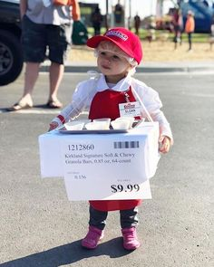 OMG a Costco sample stand! This might be the cutest Halloween Costume of the season Homemade Halloween Costumes, Family Halloween Costumes, Couple Halloween, Spooky Halloween, Halloween Party, Original Halloween Costumes, Babies In Costumes, Vintage Halloween, Funny Kid Halloween Costumes