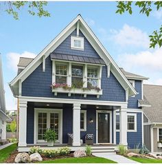 Gorgeous 19 small cottage house exterior design ideas in 201 Exterior Paint Colors For House, Paint Colors For Home, Exterior Colors, Siding Colors For Houses, Modern Farmhouse Exterior, Rustic Farmhouse, Bungalow Exterior, Farmhouse Landscaping, Bungalow Homes