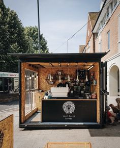 small coffee shop Good morning with the best coffee shop! Cafe Shop Design, Kiosk Design, Cafe Interior Design, Small Coffee Shop, Best Coffee Shop, Container Coffee Shop, Mobile Coffee Shop, Mini Cafe, Deco Restaurant