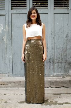 DIY Sequin Maxi Skirt. Super cute and easy way to DIY a evening dress. Just sew it onto a black top.