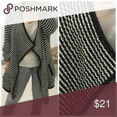 Black and White Sweater L Black and White Sweater L Peach Dove Sweaters Shrugs & Ponchos