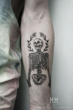 40 skeleton tattoo designs and more different types of skull tattoos, art inspirations and skull designs at skullspiration.com