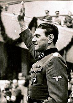 SS-Obersturmbannführer Otto Skorzeny.................................. A ESE NO LO MATARON LOS JUDIOS EN LOS BOSQUES DE KATHINN EN POLONIA  , ADEMAS ERA UN BUEN CHICO Y AMIGO DE MI ABUELO ......ME LO DIJO MI ABUELO .......¤¤¤¤¤¤¤¤¤¤¤¤¤¤¤¤¤¤