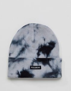 Shop Pull&Bear Tie Dye Beanie In Navy at ASOS. Cute Lazy Outfits, Outfits With Hats, Edgy Outfits, Mode Outfits, Cute Beanies, Cute Hats, Beanie Outfit, Beanie Hats, Diy Summer Clothes