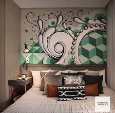 """Quarto de menino da arquiteta """"Fernanda Marques"""" com arte em grafite na parede para dar criatividade no espaço pequeno"""