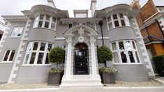 London Mansion, Mansion Tour, Dream Mansion, Millionaire Homes, Modern Family House, Architectural Floor Plans, Decor Home Living Room, London Apartment, Luxury Homes Dream Houses