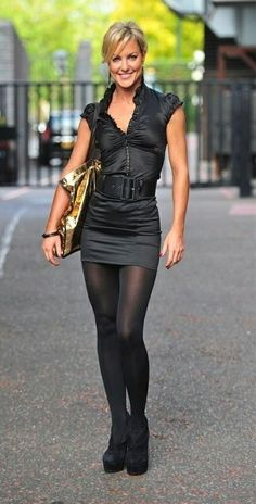 pantyhose, see through n silk Lovely Legs, Great Legs, Mode Chic, Mode Style, Black Pantyhose, Pose, Lingerie, Satin Blouses, Hot Outfits