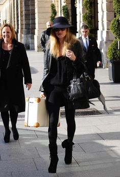 Kate Moss Leather Tote - Kate Moss was spotted leaving the Ritz Hotel carrying a black leather tote.