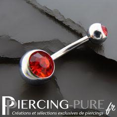 #piercing #piercingnombril #piercingstrass #navelpiercing #piercingrouge https://piercing-pure.fr/p/57-piercing-nombril-deux-cristaux-rouges.html