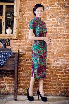 Green Jacquard Tea Length Chinese Qipao Dress, M