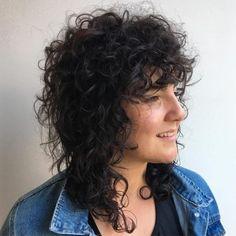 50 Natural Curly Hairstyles to Try in 2020 Hair Adviser - Kurzhaarfrisuren Bangs With Medium Hair, Curly Hair With Bangs, Medium Curly, Short Curly Hair, Medium Hair Styles, Curly Hair Styles, Natural Hair Styles, Shag Hairstyles, Hairstyles With Bangs